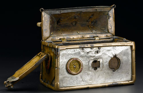 Opening the Monymusk Reliquary
