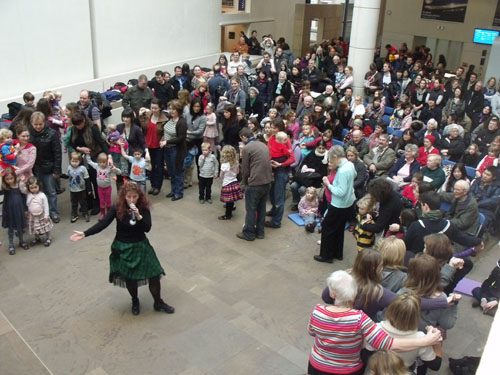 The audience gathers as the ceilidh begins.