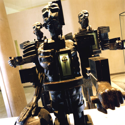 Paolozzi statue 'wearing' the Westness brooch in the Early People gallery