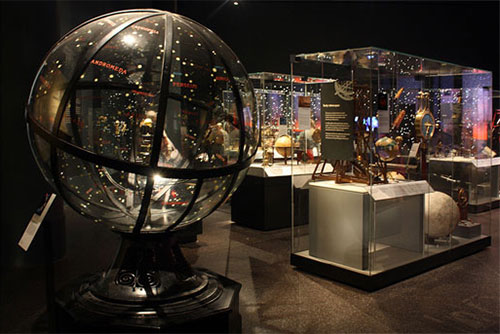 The orrery in the Earth in Space gallery