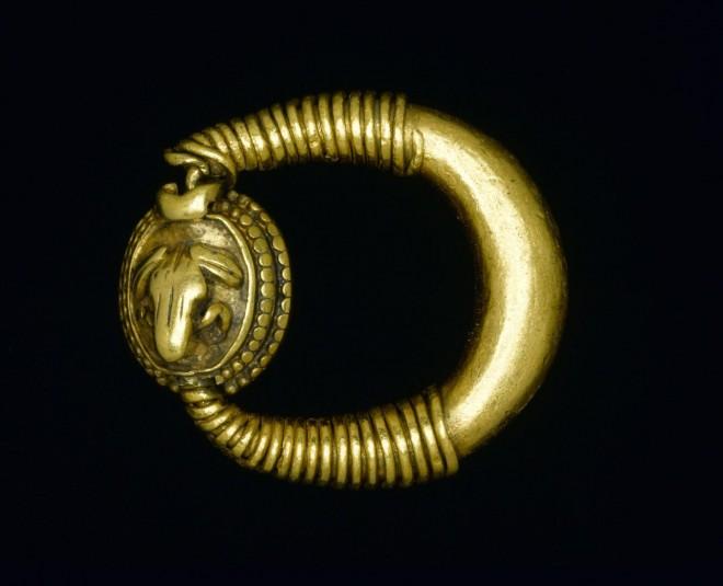 A.1883.49.2 Amarna frog ring
