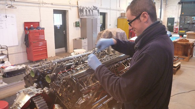 Removing the rocker covers of the Rolls Royce Merlin engine.