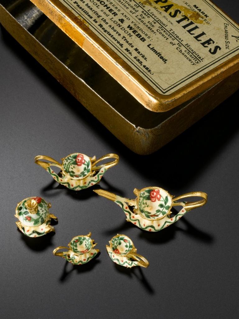 Miniature teaset, Edinburgh, 1914-1918