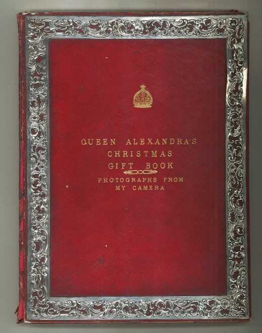 Queen Alexandra's Christmas Gift Book : Photographs from My Camera, 1908