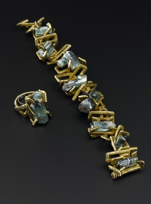 Bracelet and Ring of 18ct Gold with Tourmaline designed by Andrew Grima for Hooper Bolton, London, 1963.