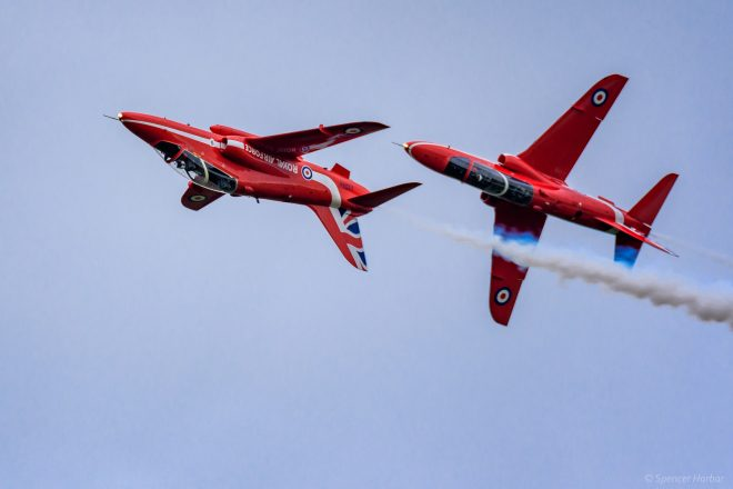 A Red Arrows pair at Scotland's National Airshow 2016© Spencer Harbar