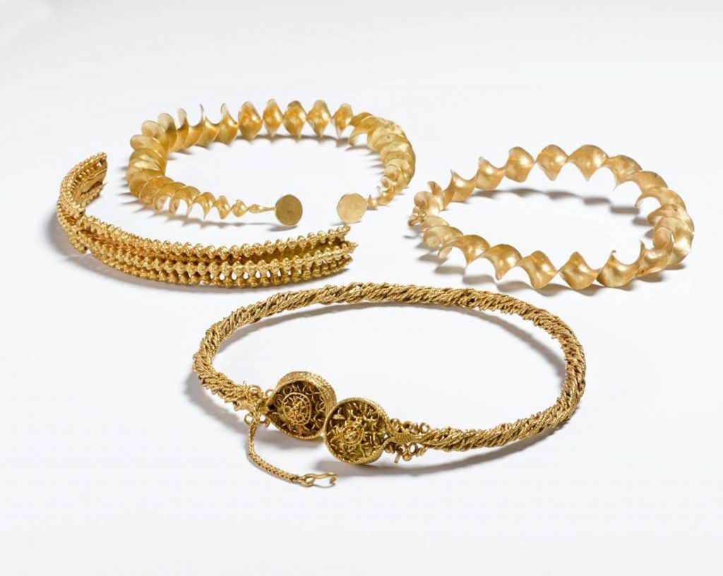 Blair Drummond torcs, Stirlingshire (300–100 BC)