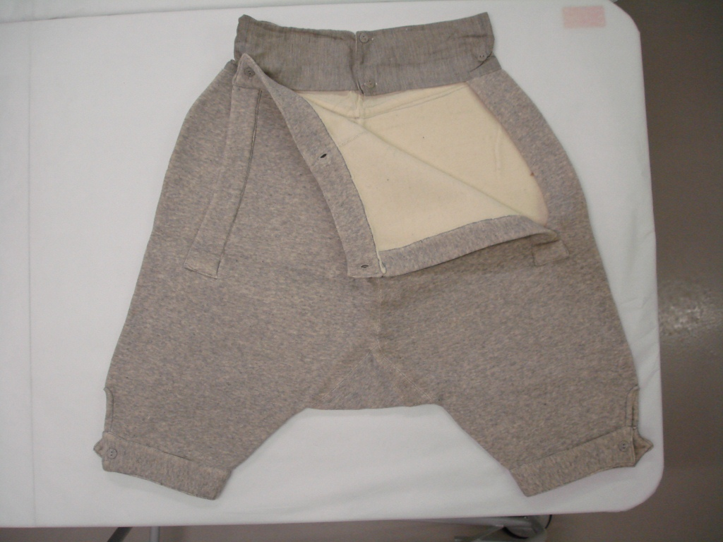 Grey jersey fleece knickers c.1920-1950 A.1989.65