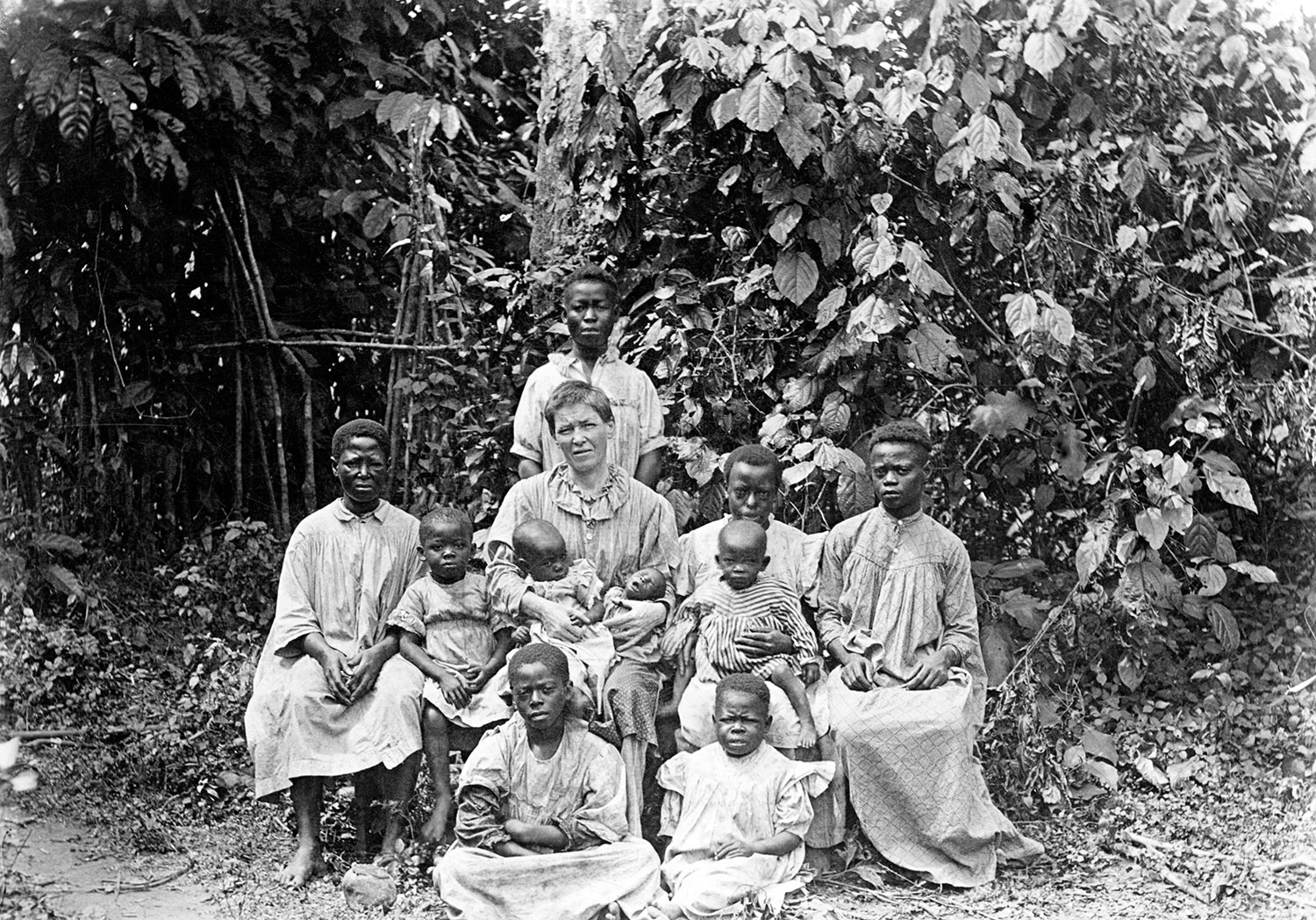Mary Slessor and a group of local children, Okoyong, Calabar region, Nigeria, late 19th century. © Dundee City Council; Dundee's Art Galleries and Museums.