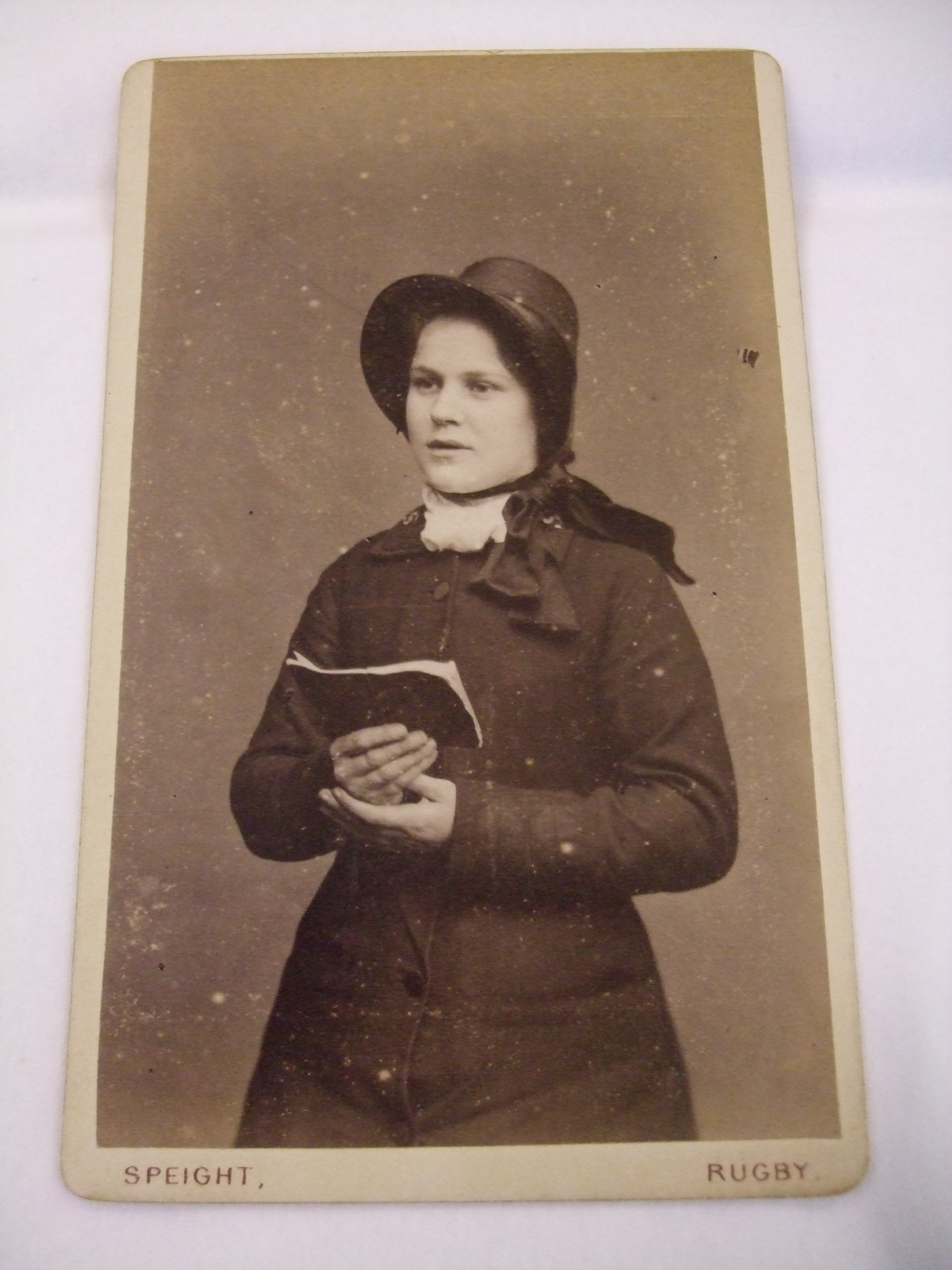 An unknown women features on this carte-de-visite