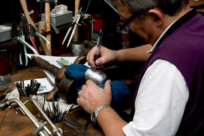 Engraving the beaker