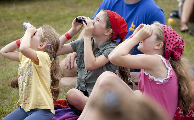 Watching the air display at Scotland's National Airshow © Ruth Armstrong Photography
