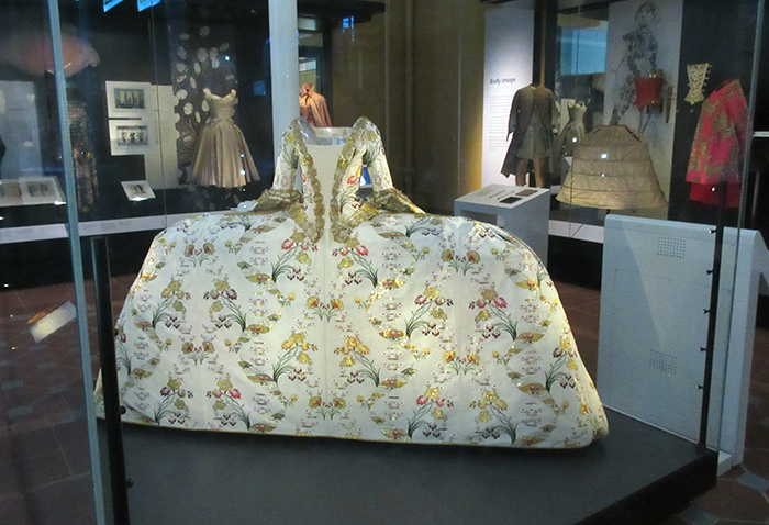 Court Mantua dress in the Fashion and Style gallery