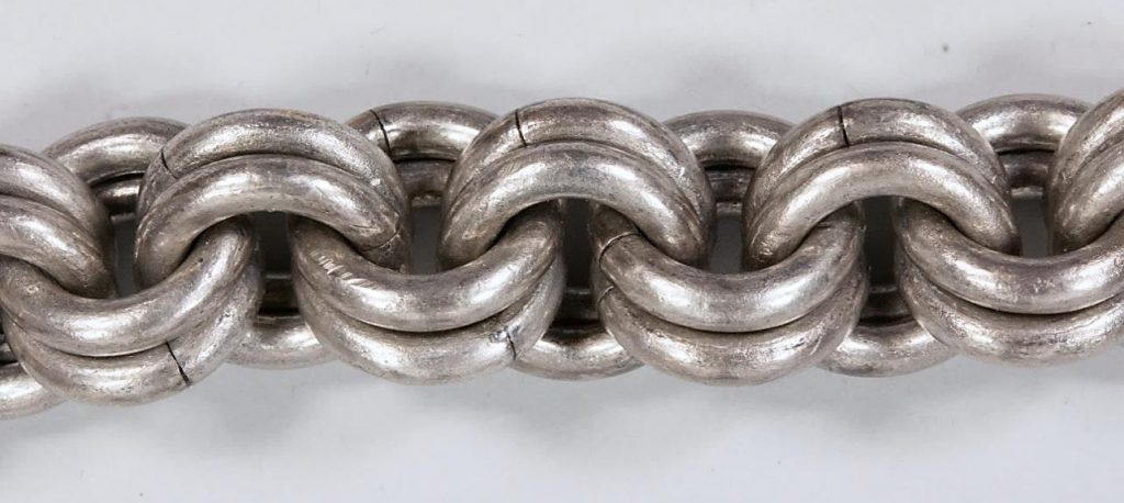 Detail of one of the nine massive chains after conservation.