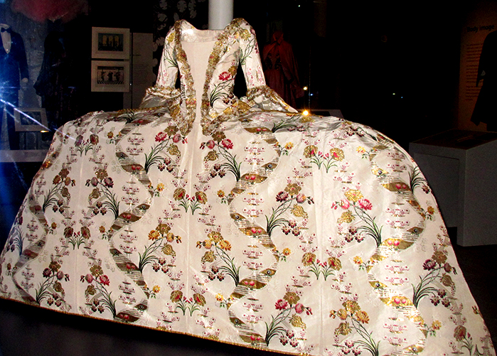 18th century court mantua