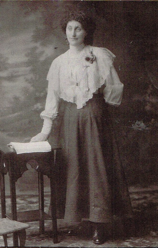 Jessie Mackenzie, photographed in about 1914, after her return to Scotland.