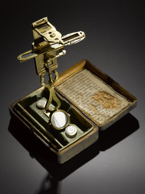 Simple microscope, in a fish-skin case with accessories, by John Clark, Edinburgh, 1773