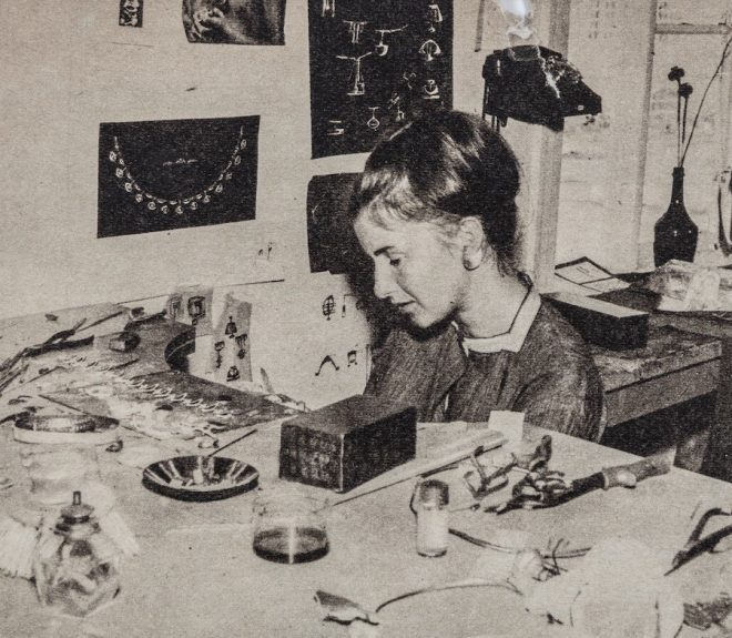 Tone Vigeland in her studio, 1958. Photo © Galleri Riis, Oslo